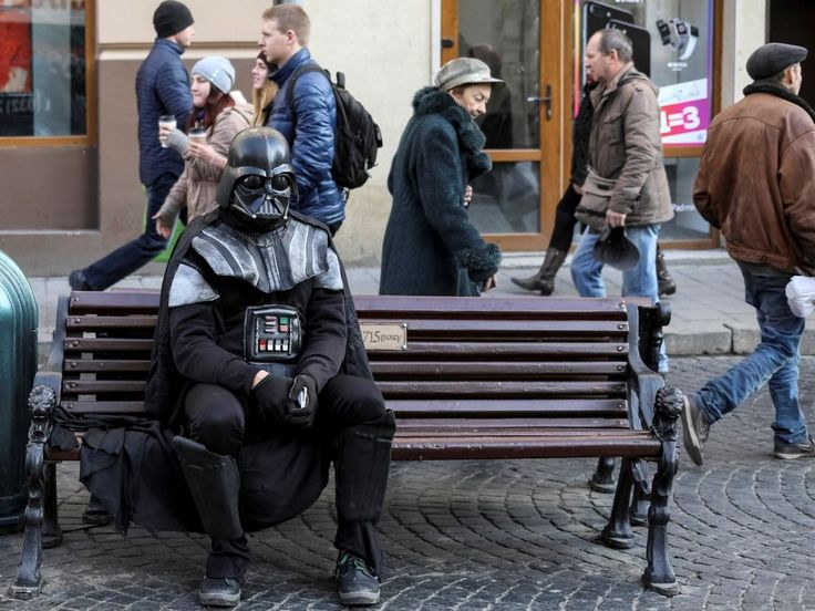 15 Funny Photos Passers in Strange Clothes