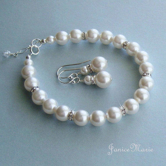 Bridesmaid Pearl Jewelry Set Crystal and Pearl by JaniceMarie