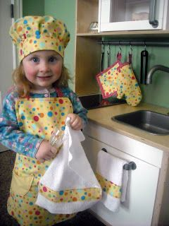 Girls Apron, hat & oven mitt tutorial.