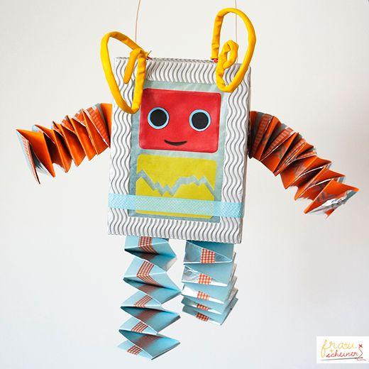 Meine-Laternen-Werkstatt---diy-basteln-Lichterfest_Roboter-Ypso, diy, basteln, st. martin, Laternenumzug