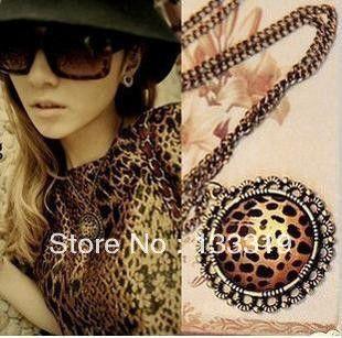 Commercio all'ingrosso Retro Classic Leopard Love Heart Collana Lunga, Leopard Rotonda Della Catena del Maglione Nuovo stile di Trasporto libero