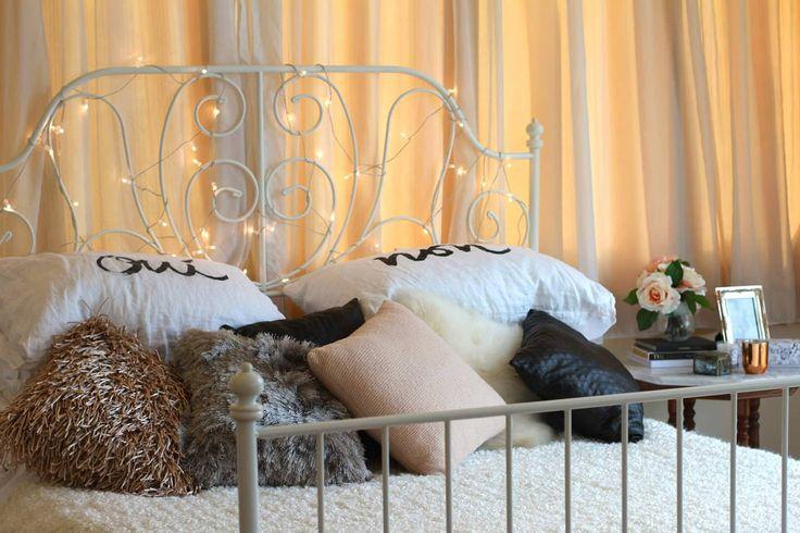 Гирлянда в интерьере спальни