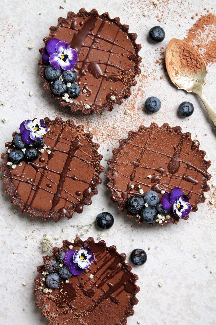 Vegan double chocolate mini-tarts