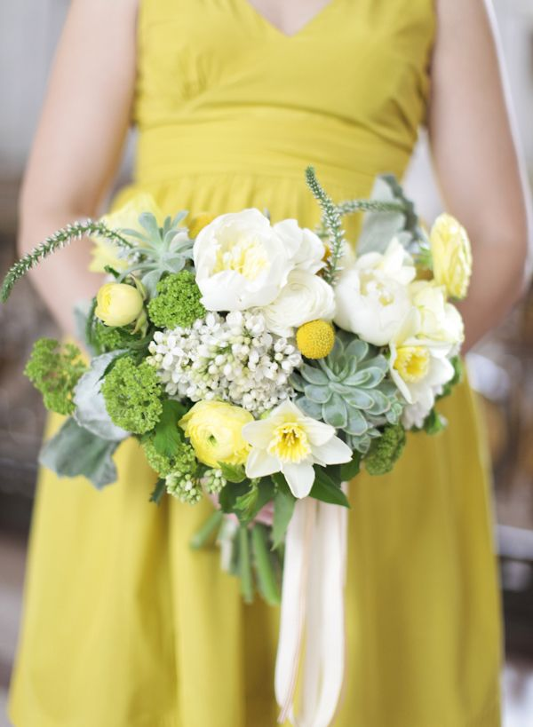Yellow, white and green #daffodil #succulent bouquet from Studio Choo, photo: Gia Canali
