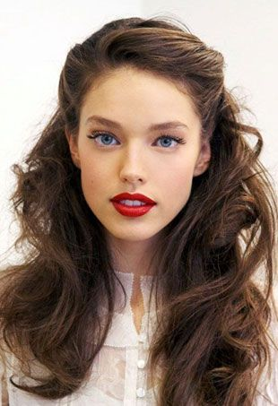 15 Pretty and Easy Prom Hairstyles - theFashionSpot
