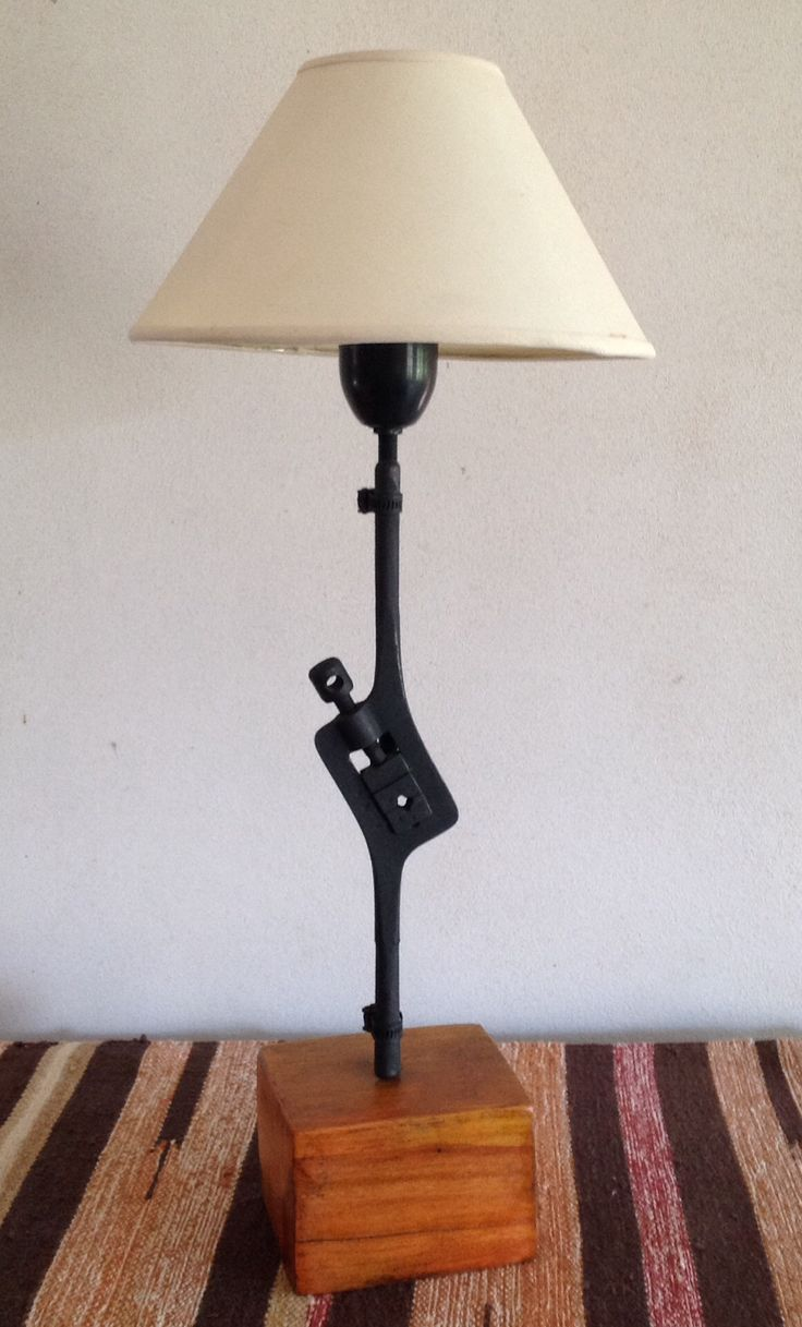 Nuevo uso para herramientas antiguas decoracion - Herramientas de campo antiguas ...