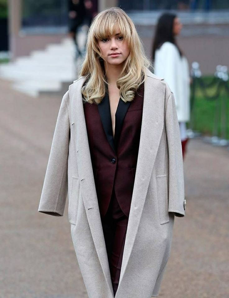 69 Best Images About Suki Waterhouse 39 S Look Book On Pinterest