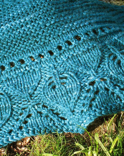 Ravelry: Ka'ana Shawlette pattern by Jennifer Weissman = an easy-ish shawl in worsted weight. Free pattern