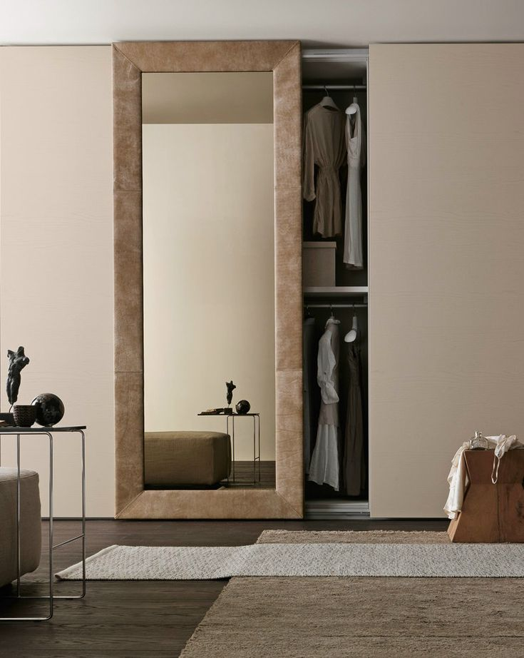 Sectional mirrored wardrobe with sliding doors MIRROR by Presotto Industrie Mobili | #design Pierangelo Sciuto @presottoitalia