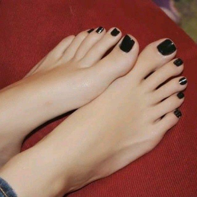 Feet jerk off caption