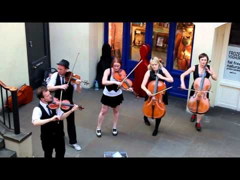 Buskers at Covent Garden Perform Pachelbel's Canon