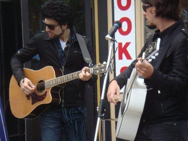 Daniel Victor - Neverending White Lights - War Child busking for change - Toronto - October 2009