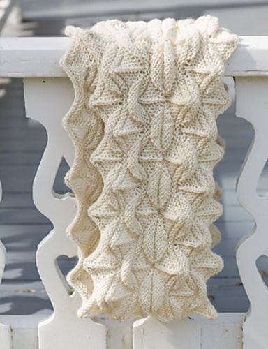 Jamberoo by Tonia Barry. A sculptural, richly textured #infinityscarf.