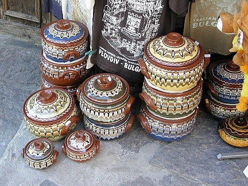 """Bulgarian pottery.  These little casseroles are called """"guvetch"""". #Bulgaria"""