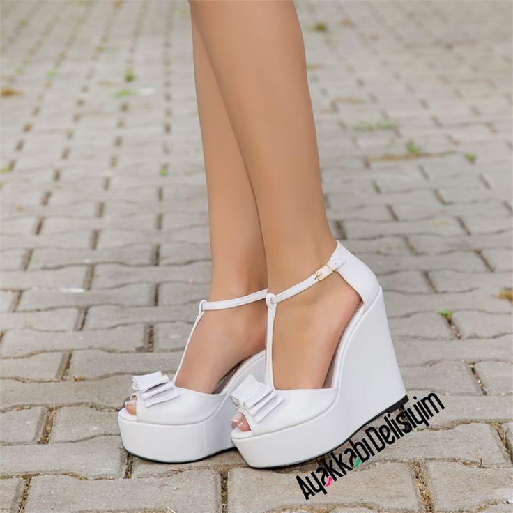 Funes Beyaz Fiyonklu Dolgu Topuk Ayakkabı #wedding #shoes