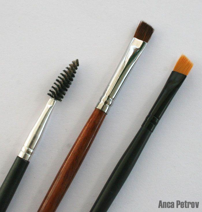 Terminologia e piccoli consigli per il trucco degli occhi - http://www.tentazionemakeup.it/2011/06/terminologia-e-piccoli-consigli-per-il-trucco-degli-occhi/ #makeup #eyes
