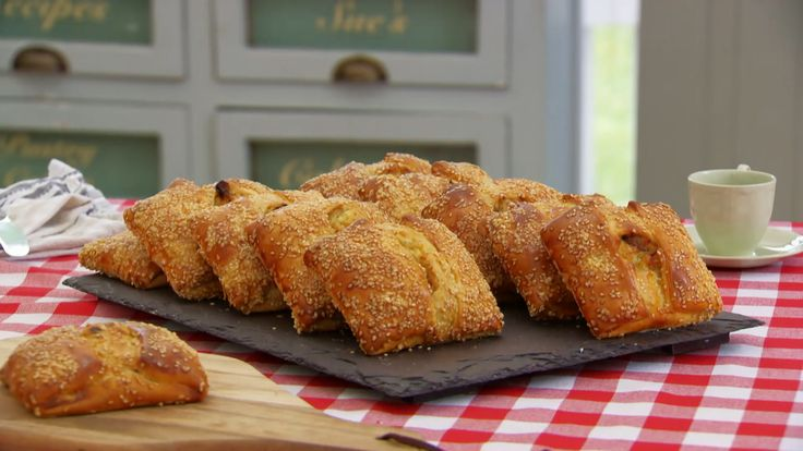 This flauones recipe by Paul Hollywood is the technical challenge recipe in the Pastry episode of Season 3.