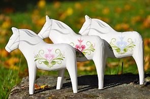 """""""The Little Star"""" Dala Horses! SIMPLY BEAUTIFUL...LOVE & WOULD LEAVE OUT ALL YEAR!❤️❤️❤️"""
