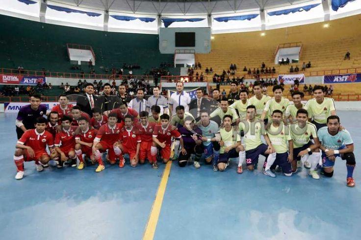 Futsal Super League 2015 Grup B Dibuka HT di Makassar http://sin.do/etCM  http://photo.sindonews.com/view/12226/futsal-super-league-2015-grup-b-dibuka-ht-di-makassar