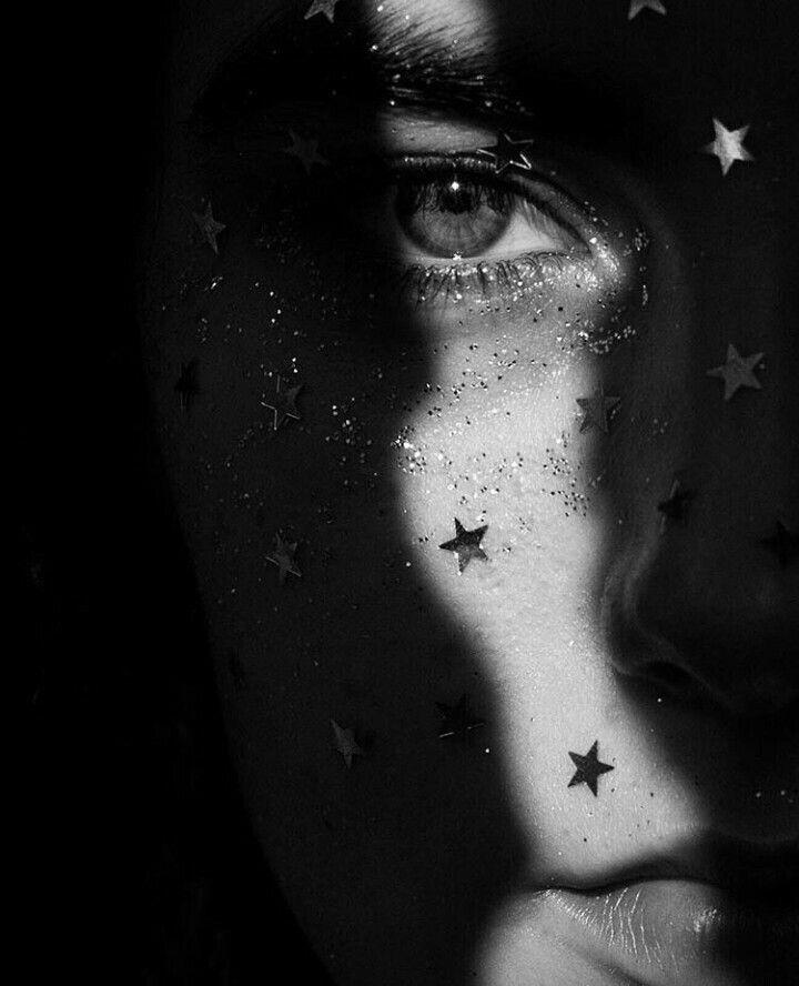Fantasmas  #ghost #fantasmas #blackandwhite #stars #eyes #darkness  #blog #blogger  #PalabrasNoEscuchadas