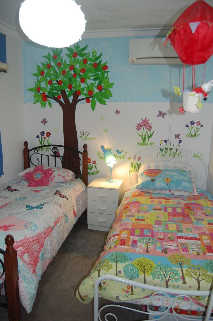 girls room wall