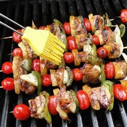 Bite-sized cubes of pork tenderloin are skewered with a colorful mixture of pineapples, tomatoes, and bell peppers, then grilled to perfection.: Colors Mixtur, Colorful, Belle Peppers, Pork Tenderloins, Pineapple, Perfect, Tomatoes, Grilled, Bites S Cubes