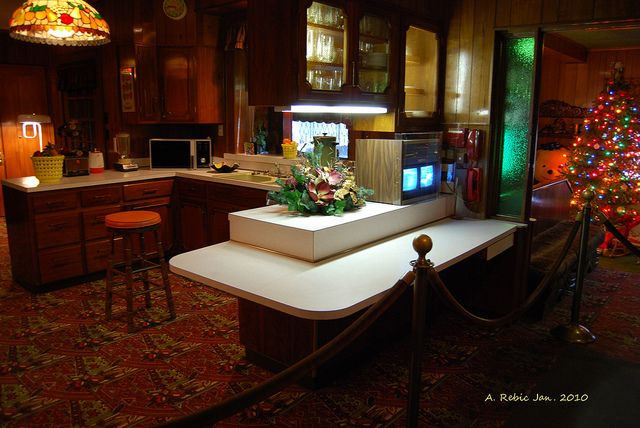 78 Best Images About Graceland On Pinterest Jungle Room