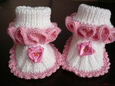 вязаные спицами пинетки для малыша своими руками. Фото №8
