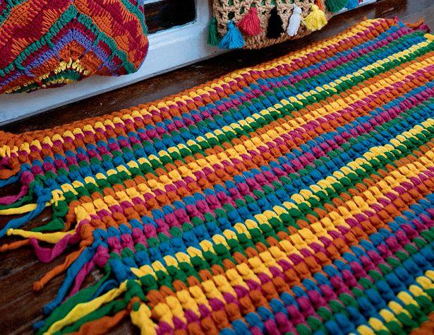 Описание вязания крючком полосатого коврика из журнала «Diana Креатив» №9/2015