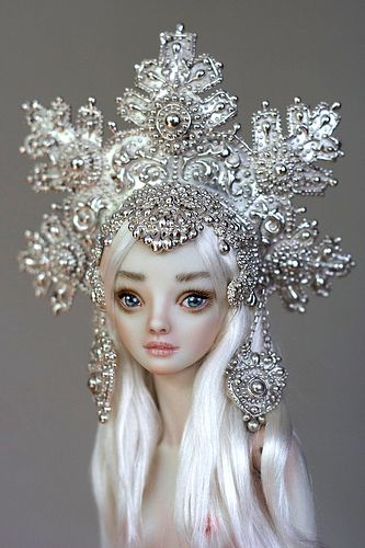 "This says ""aerion"" to me. Not the headpiece, probably. Too heavy, unless it was made of real snowflakes."