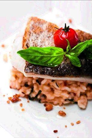 Recept van de dag: Schelvis met risotto van zongedroogde tom... - Het Nieuwsblad: http://www.nieuwsblad.be/cnt/dmf20110528_080