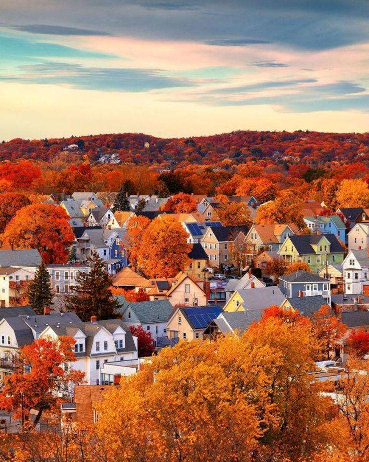 Autumn Scenes, Autumn Cozy, Autumn Aesthetic, Autumn Inspiration, Fall Halloween, Les Oeuvres, Autumn Leaves, Places To Go, Beautiful Places