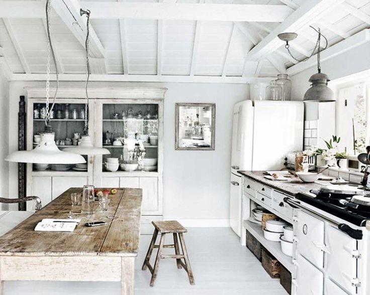 25+ best Rustic beach houses ideas on Pinterest Rustic beach - coastal home decor