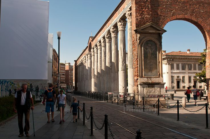 Colonne di San Lorenzo - Corso di Porta Tisinese (Milano, Italy) #Milano #Milan #Italy