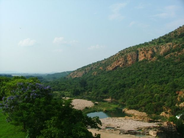 Hiking in Gauteng: Phaladingwe Day Trails – the view from Hartbeespoort Dam is full of greenery, rivers, and birdlife. #VisitGauteng. http://www.gauteng.net/blog/entry/hiking_in_gauteng_phaladingwe_day_trails/