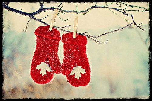 Maple Leaf Mittens #Canada
