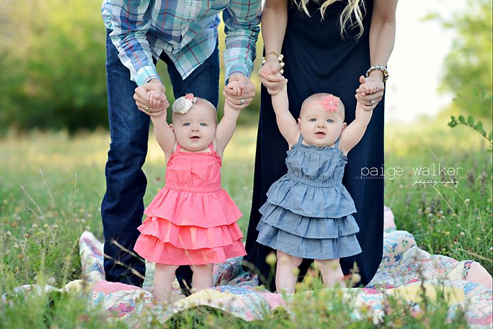 fort-worth-twin-photographer, twins standing with parents, twin girls and family photography