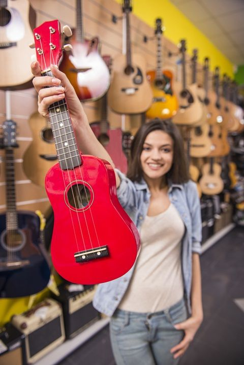 Here's a reference to a top 7 best ukuleles for beginners under $140, which can be added to your knowledge, in the next review is expected you can find some of the advantages and disadvantages that you can find on some of the products on offer recommendations.