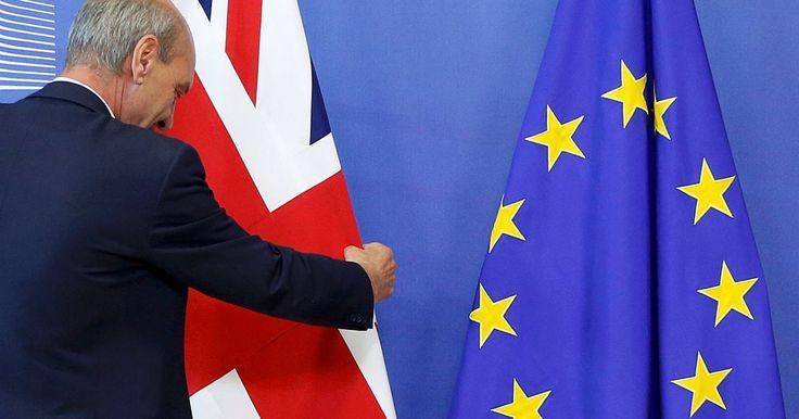 Londýn chce spustiť Brexit už v marci, potom zatvorí hranice aj pre občanov členských krajín únie.