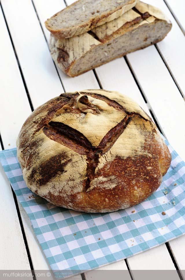 Ekşi Mayalı Cevizli Ekmek Tarifi | Mutfak Sırları
