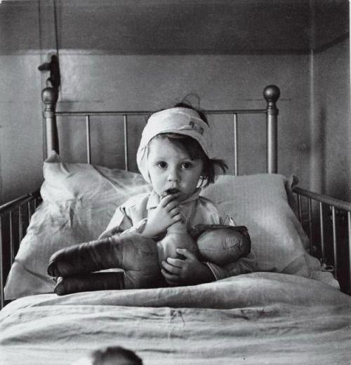 Cecil Beaton Eileen Dunne, London bomb victim, 1940