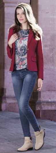 Look con saco y jean. Este encantador outfit de otoño es muy versatil.