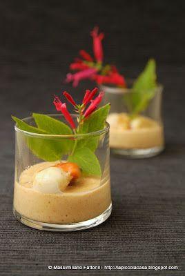 La Piccola Casa: La ricetta nel bicchiere: Capesante con besciamella alla paprika affumicata e scalogno stufato nel porto bianco