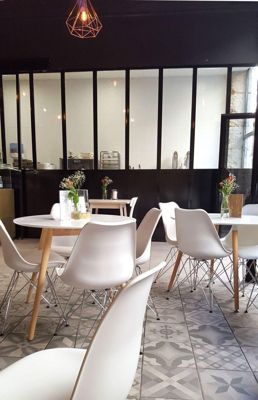 J'ai testé le Café Jeannine et Suzanne - Mode en France La verrière en métal
