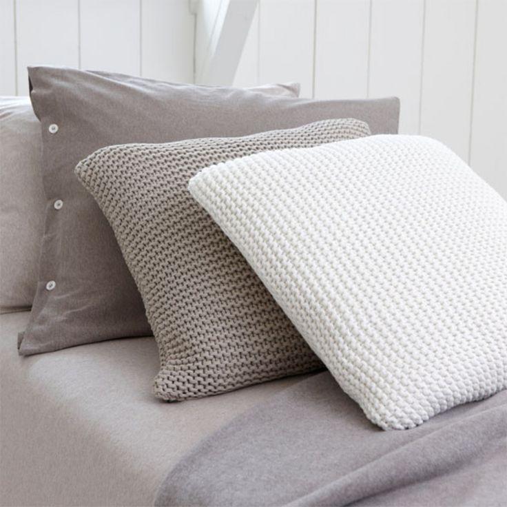 HS Oxford Sierkussen Taupe 50x50 cm #pillow #pillows #kussen #kussens #cushion #cushions > www.marington.nl