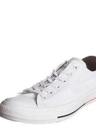 À vendre sur #vintedfrance ! http://www.vinted.fr/mode-hommes/baskets/30659580-converse-basses-blanches-neuves-t44