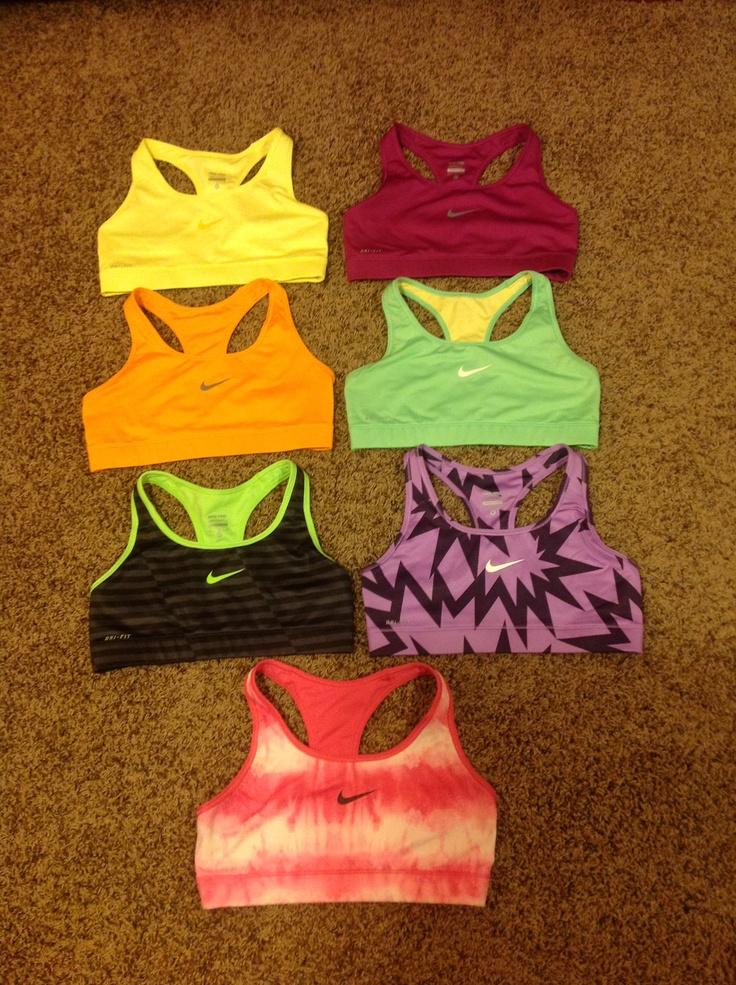 Looove Nike sports bras :)