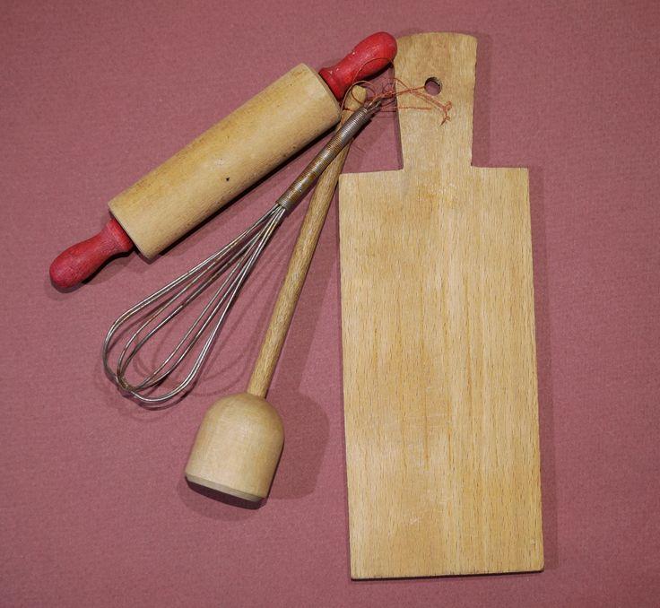 Кукольный набор - КУХОННАЯ УТВАРЬ - для игрушечной кухни Германия Винтаж.