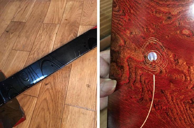 17-09-10 燭台 ~ 竜笛ケース (坂根我 作品 紹介№364 )  黒地に黒で絵を描く。朱の部分は朱で描く。 箱の拭き漆が上がったので、これから孔雀の羽を蒔絵する事にした。 羽の中に貝を入れて、軸を盛り上げる。 これから細かい作業が続くな・・。 この記事は彦根市の漆の工芸家、坂根龍我さんの了解をいただき、F.B.投稿を紹介させていただいています 注文依頼の龍笛のケース。 珍しい八角形をしている。 F.B.にアカウントのある方はこちらから直接ご覧になれます。 たぶん、疲れている。 13時間眠っていた・・・