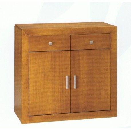 Aparador de dos puertas en madera maciza alistonada de pino barnizado en color cerezo.